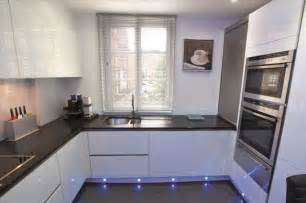 White Gloss Kitchen Designs by White Gloss Kitchen Design Modern Kitchen London