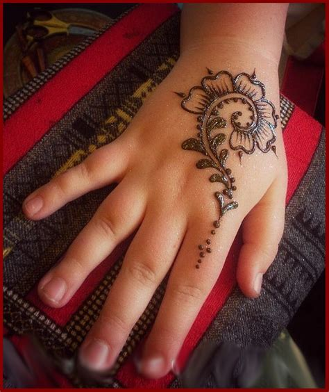 simple mehndi designs for kids step by step8 women club