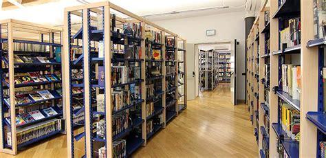 scaffali biblioteca scaffali e arredi multifunzionali per biblioteche