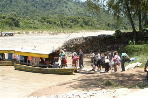 imagenes de aguas blancas bolivia panoramio photo of 2013 01 24 bolivianos subiendo a las