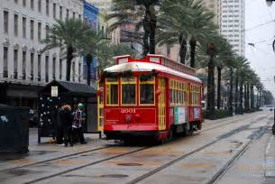trolley cars new orleans streetcars in new orleans