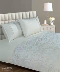 Cream colour modern jacquard damask stylish bedding duvet quilt cover