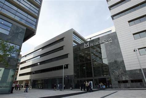 viviendas santander banco santander y bbva cenden suelo a metrovacesa para promove