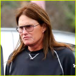 latest on bruce jenner transitioning bruce jenner will discuss transition in diane sawyer