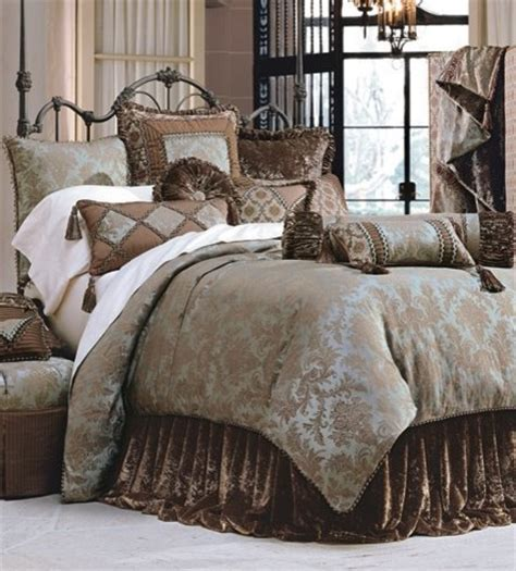Customized Bedding by Luxury Bedding Ensemble Custom Decorative Pillows