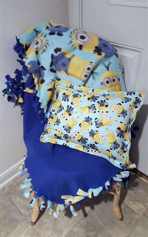 Matching Throw Pillows And Blankets by 17 Best Ideas About Minion Pillow On Crochet