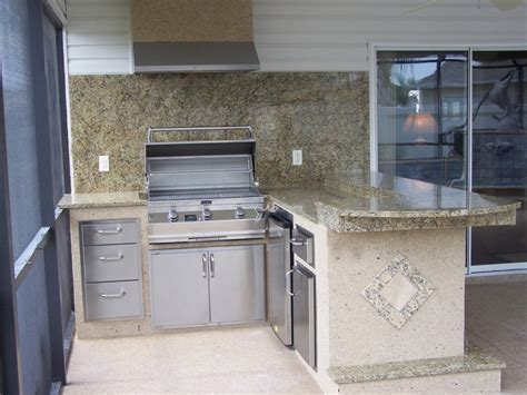 outdoor kitchen backsplash outdoor kitchen backsplash 12 outdoor kitchen with 9 bar