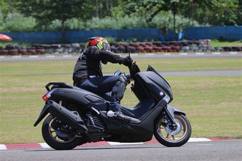review yamaha nmax  test ride harga fitur