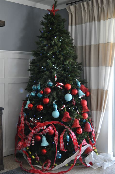 designer decorated trees remodelaholic how to decorate a tree a