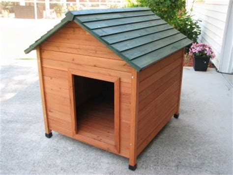 cedar dog houses high quality extra large classic cedar dog house