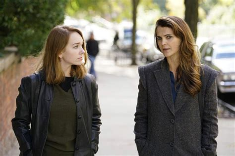 designated survivor russell the americans 2013 photo holly taylor keri russell