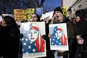 white house protest protests follow donald trump to mar a lago over travel ban
