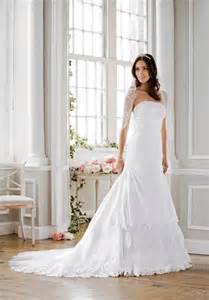 davids bridal wedding dresses david s bridal to offer 40 discount to brides affected by the closing at lett s bridal the