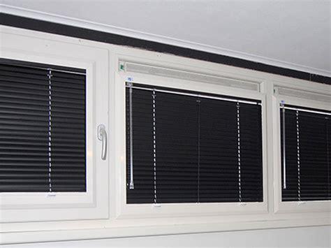 jaloezieen in kozijn raamdecoratie in kozijn msnoel
