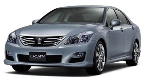 Luxury Toyota Toyota Crown Luxury Hybrid Saloon