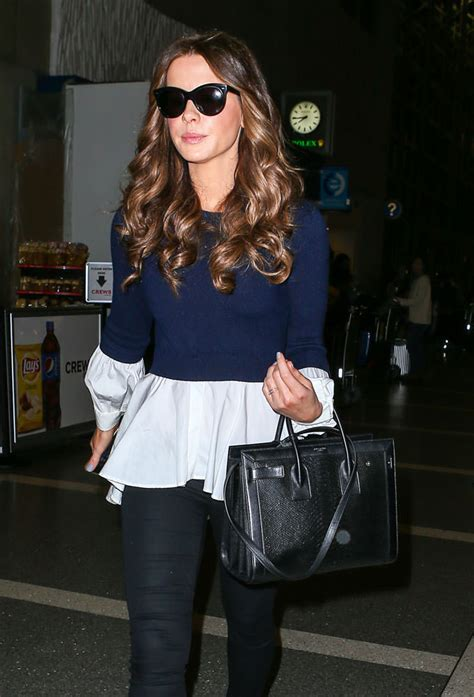 Kate Beckinsdale With Valentino Historie Purse by Precious Few Opted To Carry Anything Other