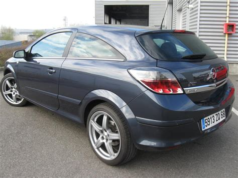 opel astra gtc 1 9 cdti 120 cosmo panoramique d occasion