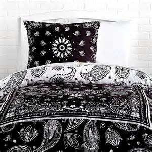 Bandana Print Reversible Duvet Cover And Sham Set