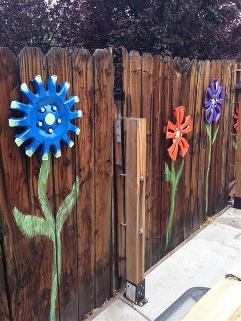 Garden Fence Decorating Ideas 55 Who Took Their Backyard Fences To Another Level