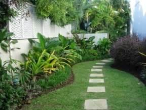 tropical backyard gardens the villa garden renos
