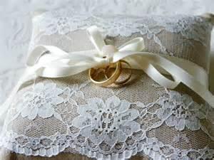 coussin porte alliance mariage romantique photo de les