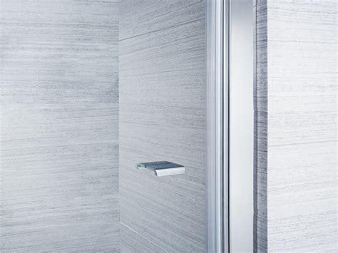 doccia doppia parete doccia doppia anta con lato fisso su muretto palau