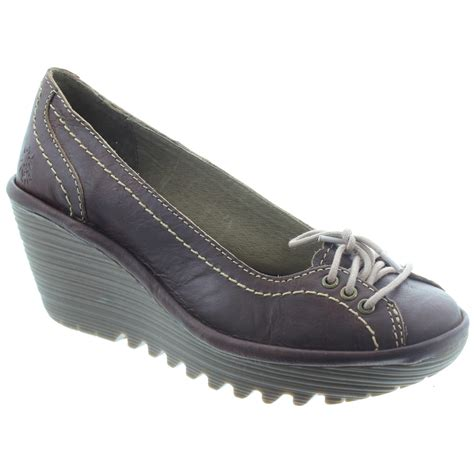 fly yio lace wedge shoes in in