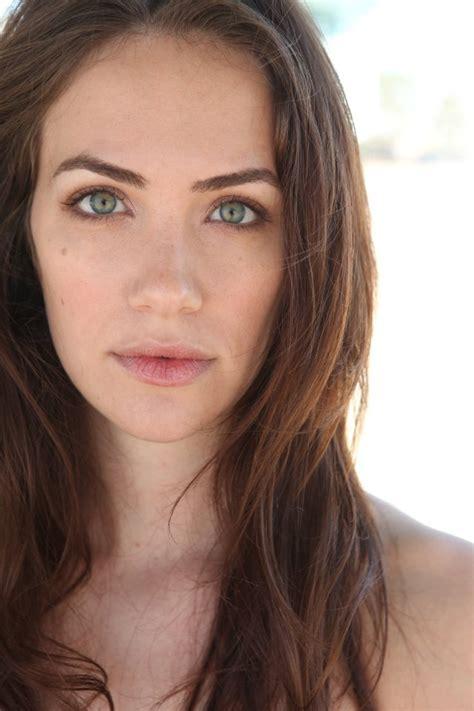 Kate siegel profile videos weight hairstyles amp wiki info