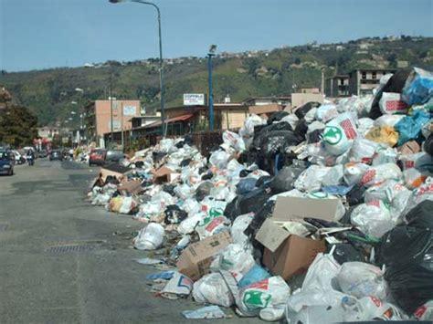 tassa di commercio rifiuti confesercenti per i calabresi una tassa salasso
