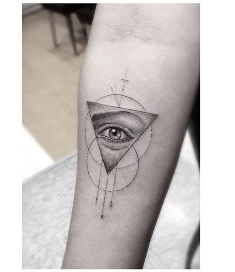 dynamo tattoo eye trick 17 best images about tattoo on pinterest illusions pug