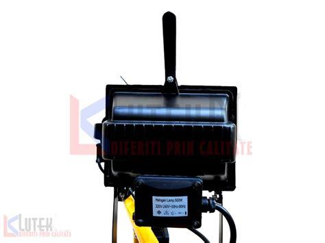 lada alogena 300w stand lumini 2 proiectoare 500w cu halogen si becuri