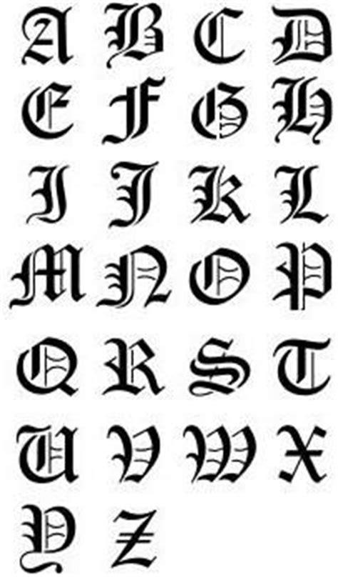 Exemple De Lettre Gothique Tatouage Alphabet Gothique Mod 232 Les Et Exemples