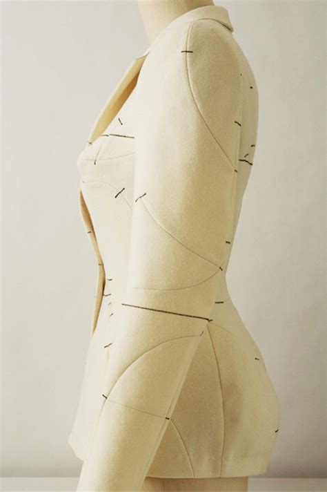 notches on pattern naoki takizawa design illustrates use of notches the