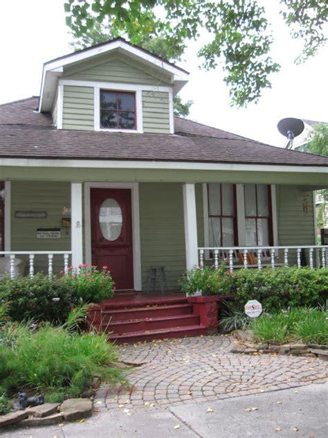 the other houston 1926 palm tree bungalow houston heights the other houston 1930 front porch bungalow