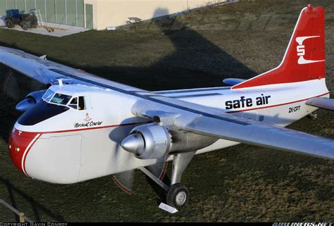 bristol 170 freighter mk31e safe air straits air freight express aviation photo 1563037