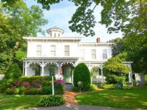 New York Bed And Breakfast Association by Quintessentials Bed Breakfast And Spa A East Marion
