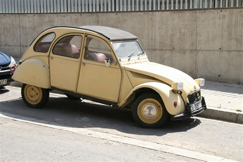 old citroen file old citro 235 n in barcelona jpg wikimedia commons