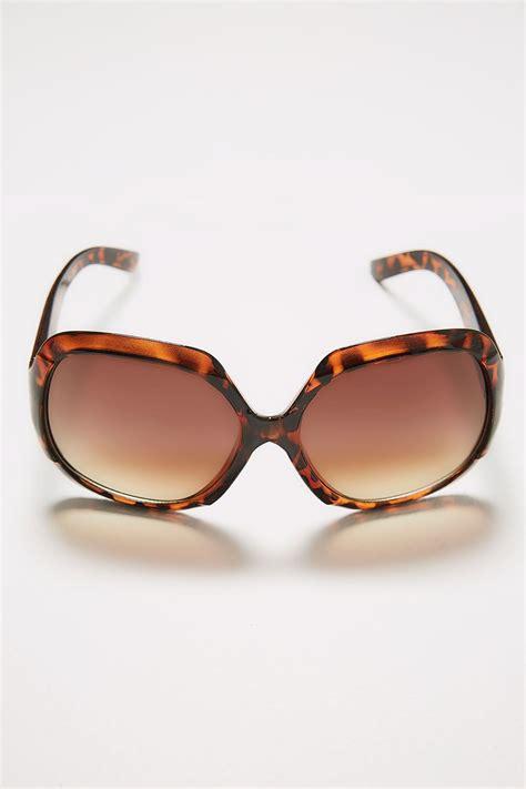 Sunglasses C740 Black tortoiseshell large square sunglasses with uv protection