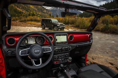 jeep interni jeep wrangler le prime foto degli interni