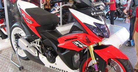Lu Hid Motor Honda Blade spesifikasi harga kelebihan honda new blade 125 fi repsol