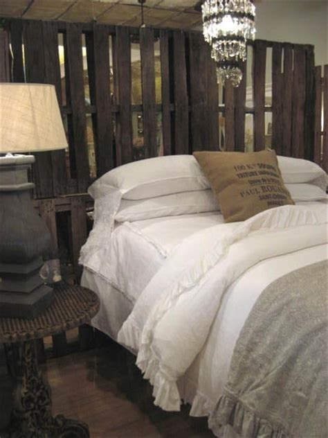Pallet Bed Headboard by Decorates Your Bed In Pallet Headboard Budget Freshnist