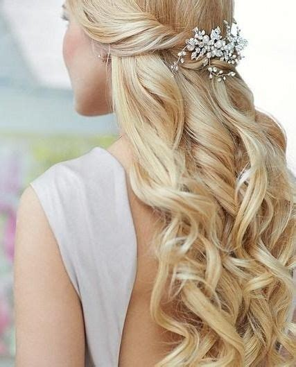 Wedding Hairstyles And Wavy by 17 Best Ideas About Wavy Wedding Hairstyles On