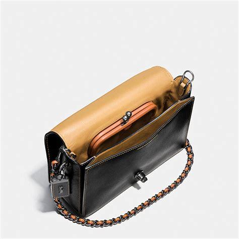 Tas Selempang Coach Original Leather Crossbody Black coach dinky black copper denim glovetanned leather turnlock crossbody 24 handbags purses