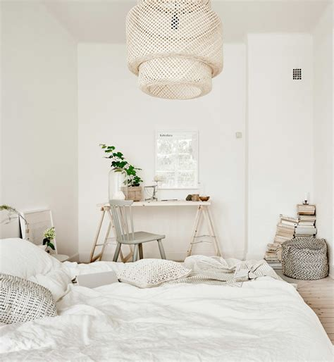 white bedroom decordots white and natural bedroom styling