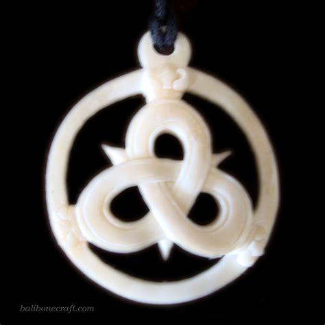 Kalung Anjing Motif 25 bone pendant and necklace