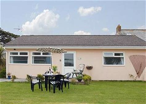 Friendly Cottages In Padstow by Harlyn Ref 18296 In St Merryn Nr Padstow Pet