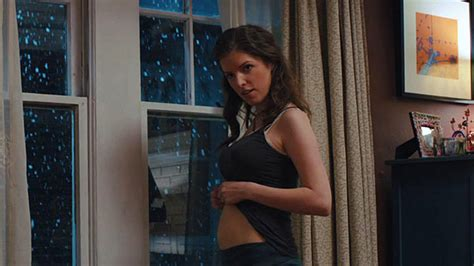2 Story House With Pool by Quot What To Expect Gave Anna Kendrick A Pregnant Pause
