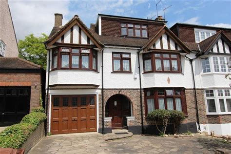 6 bedroom house london 6 bedroom semi detached house for sale in connaught avenue