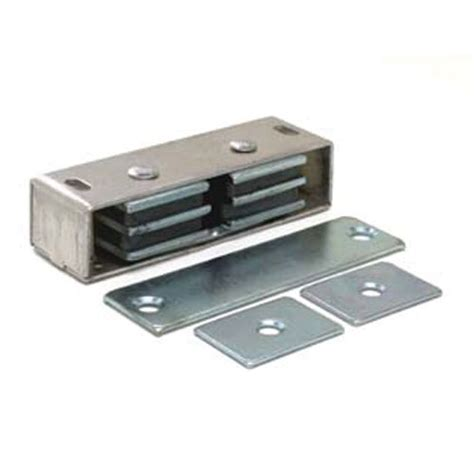 Magnetic Closet Door Latch ventilation how can i stop interior doors from opening when exterior doors are opened home