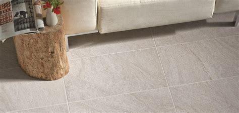 piastrelle in gres per esterni gres porcellanato antiscivolo per pavimenti esterni